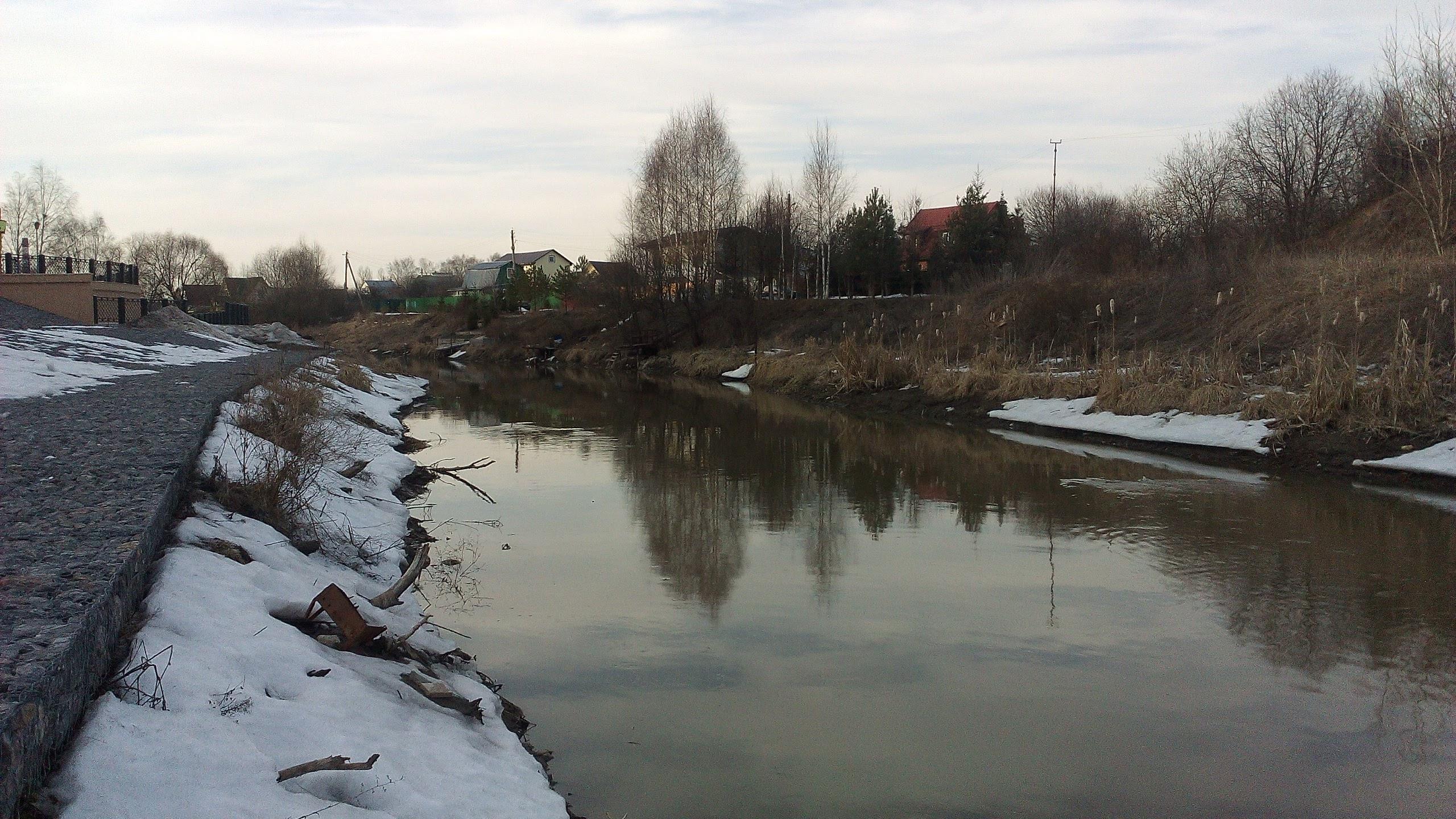 reka klyazma u sheremetyevo